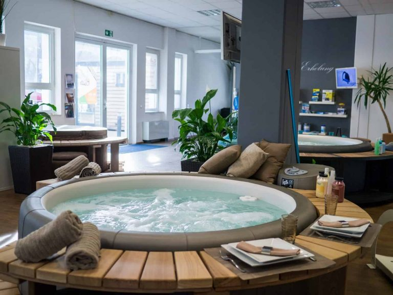Softub_Whirlpool_Showroom_3
